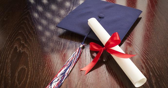 immagine con tocco e diploma