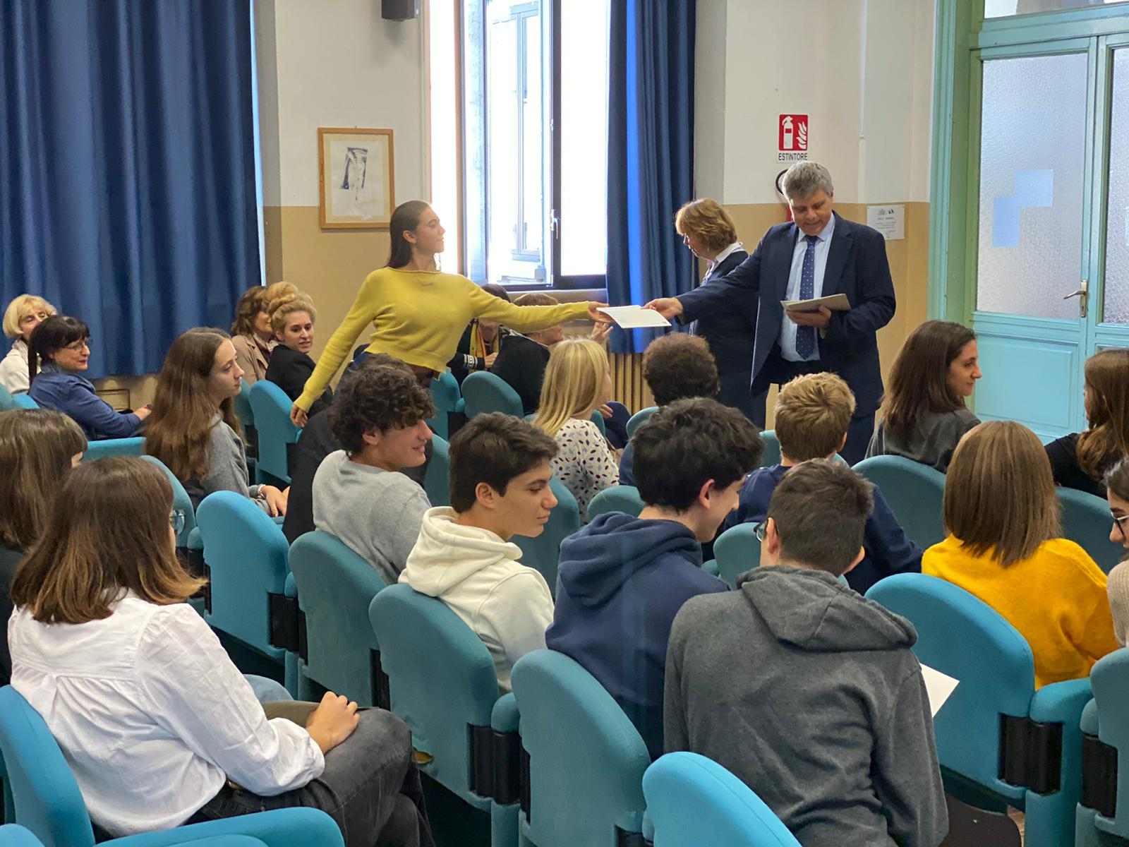 foto di allievi e preside del Berchet